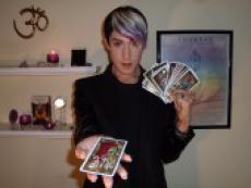 PerryNormal - Tarot Reading and Western Astrology